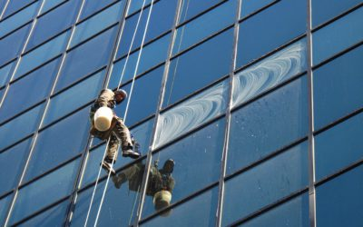 Extreme window cleaning in pictures